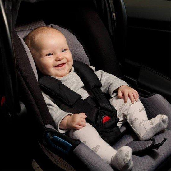 Mountain Buggy Столче за кола Protect (от новородено до 13 кг) Черно-сиво