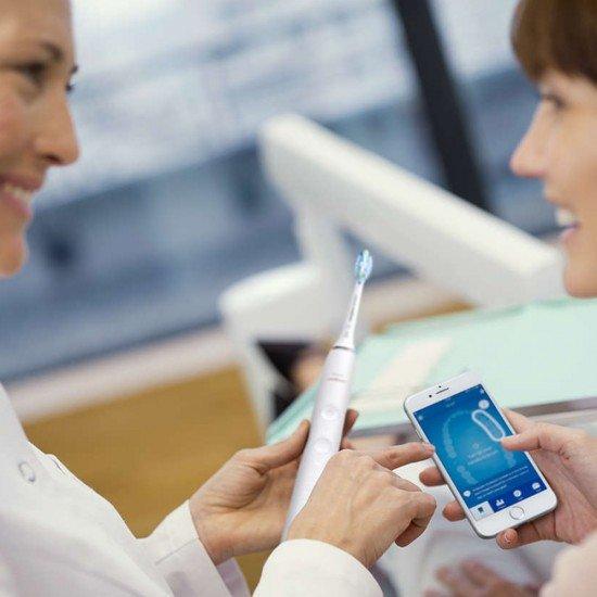 Philips Sonicare Звукочестотна четка за зъби DiamondClean Smart HX9903/03, бяла