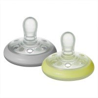 Tommee Tippee Ортодонтични залъгалки Breast-Like NIGHT 0-6м, 2 бр./оп.